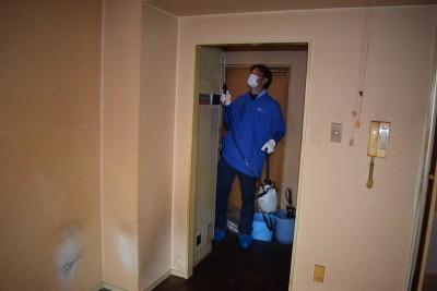 2 殺菌消毒剤散布